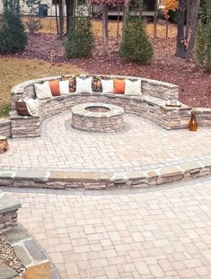 71 Beautiful Backyard Patio Design Ideas - Find the Best Shades for Your Patio Design 33 Outdoor Patio Ideas You Need to Try This Summer Garden Fire Pit, Diy Fire Pit, Fire Pit Backyard, Paver Fire Pit, Patio Fire Pits, Fire Pit Front Yard, Outdoor Fire Pits, Desert Backyard, Fire Pit Decor
