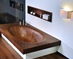 Oh my goodness!!!!! This is a wooden  bathtub!!! I love it!! It looks so awesome!!!!!