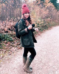 2017/11/14 01:54:13 lauraedwards90 Autumn is my favourite  #autumn #walking #coffee #dogwalk #fod #ootd #wellies #hunter #barbour #coffee #brunette #brunettebalayage #balayage #forest #woodland