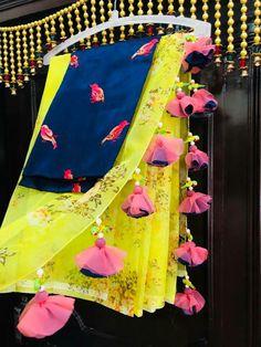 Saree Tassels Designs, Saree Kuchu Designs, Best Blouse Designs, Saree Blouse Neck Designs, Bridal Blouse Designs, Mirror Work Saree Blouse, Net Saree Blouse, Drape Sarees, Blouse Dress