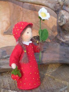 Wool Dolls, Felt Dolls, Mouse Crafts, Felt Crafts, Wet Felting, Needle Felting, Felt Snowman, Doll Home, Felt Fairy