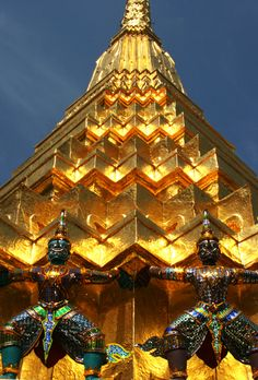 chiang mai temple, thailand. I really really want to go to Thailand!