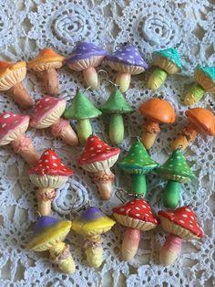 Mushroom Decor, Mushroom Art, Polymer Clay Crafts, Diy Clay, Diy And Crafts, Arts And Crafts, Biscuit, Cute Clay, Funky Jewelry