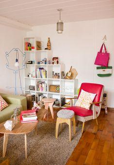cheap retro home decor Retro Apartment, Living Room Decor, Living Spaces, Sweet Home, Retro Home Decor, Eclectic Decor, Office Interiors, Interior Design Inspiration, Colorful Interiors