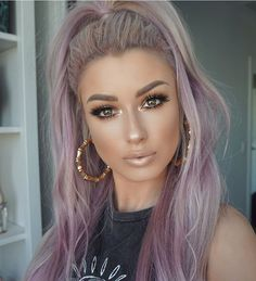 Loving how she channels purple vibes in her hair and makeup cred ・・・ For a chance to be featured use the hashtag ! We check for new entries daily xo Hair Color Purple, Pink Hair, Silver Purple Hair, Purple Lips, Pink Purple, 60s Hair, Grunge Hair, Gorgeous Hair, Gorgeous Makeup