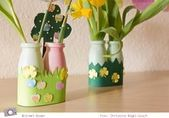 Crafts with children: small Actimel vases for spring flowers - Basteln - Vase ideen Spring Art Projects, Projects For Kids, Crafts For Kids, Children Crafts, Ladybug Crafts, Owl Crafts, Recycled Cd Crafts, Peacock Crafts, Kindergarten Art Projects
