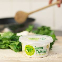 """Sagt """"Hallo"""" zu unserer neuen Tahina! Unser verfrühtes Weihnachtsgeschenk an alle, die gerne mit der herzhaften Sesampaste kochen! 💚 Herbs, Photo And Video, Instagram, Food, Products, Kochen, Hoods, Meals, Herb"""
