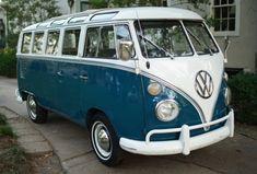 Volkswagen Bus Discover The best vintage and classic cars for sale online Vintage Volkswagen Bus, Volkswagen Type 2, Volkswagen Transporter, Vintage Campers, Volkswagen Golf, Vw Samba Bus, Armadura Ninja, Combi T1, Combi Split