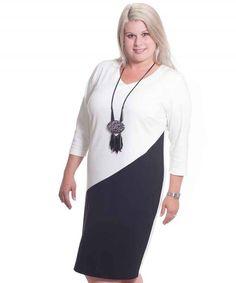 Entdecken Sie dieses und noch viele weitere Plus Size Kleider in unserem Online Shop Pop Up Stores, Shops, Tunic Tops, Shopping, Dresses, Design, Women, Fashion, Plus Size Gowns