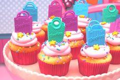 cupcakes decorados com sacola de compras para festa shopkins