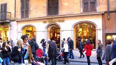 insegne Roma , insegne negozi Roma, insegne negozi via del Corso Roma, insegne negozi The Disney Store