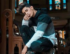 Danish Zehen Wiki Jb Songs, Cute Songs, Mood Songs, Handsome Celebrities, Teen Celebrities, Graffiti Photography, Photography Poses For Men, Danish Image, Alone Girl Quotes