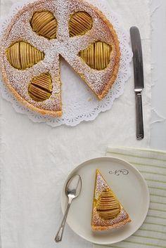 Pastís de peres i frangipane by cuinaperllaminers, via Flickr