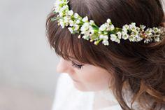An Indie Wedding Social: flower crown Wedding Show, Indie Fashion, Flower Crown, Wedding Styles, Dinner, Model, Hair, Flower Headdress, Whoville Hair