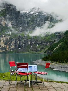 23 Stunning Hotels In The World You'll Want To Stay Forever ᴷᴬ ( Hotel-Restaurant Oschinensee, Kandersteg, Switzerland)