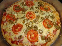 A Receita de Massa de Pizza Perfeita rende 5 pizzas deliciosas e é muito fácil de fazer. Com poucos ingredientes e de forma prática, você fará 5 discos gra