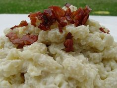 Pravé slovenské halušky s bryndzou Potato Salad, Mashed Potatoes, Food And Drink, Ethnic Recipes, Decor, Bulgur, Kochen, Whipped Potatoes, Dekoration