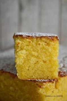 Si hacéis este Bizcocho de Limón y Almendra, debéis guardarlo a buen recaudo u os pasará como a mi, que sin que os enteréis desaparecerá la mitad. Bunt Cakes, Cupcake Cakes, Baking Recipes, Cake Recipes, Hawaiian Sweet Rolls, Cake Bars, Almond Cakes, Coffee Cake, No Bake Cake