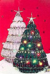 How To: Safety Pin & Bead Christmas Tree These are really fun to make with t… Gewusst wie: Sicherheitsnadel & Perle Weihnachtsbaum Diese sind wirklich [. Christmas Tree Pattern, 3d Christmas, Christmas Tree Design, Beaded Christmas Ornaments, Christmas Items, Christmas Projects, Christmas Tree Decorations, White Christmas, Diy Ornaments