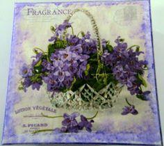 julainneartes: Caixa com violetas