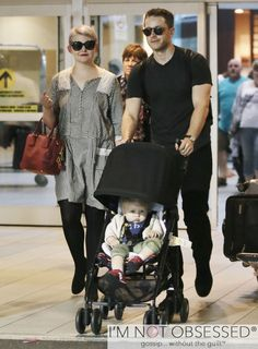 Couple Ginnifer Goodwin, her husband Josh Dallas and their son Oliver arriving on a flight in Vancouver, Canada on August The pair are back in Vancouver to film 'Once Upon A Time' season Snow And Charming, Prince Charming, Josh Dallas And Ginnifer Goodwin, Scott Foley, Snow White Prince, Matthew Gray Gubler, Celebs, Celebrities, Lady And Gentlemen
