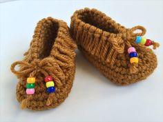 15 DIY Crocheted Baby Accessories | DIY to Make