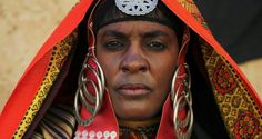Libyan Tuareg woman Tuareg People, Arab Women, Headgear, Black People, Girl Face, Little Princess, Hair Pieces, Black Women, Deserts