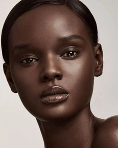 Searching for the perfect foundation shade? Look no further! Find your foundation shade with Fenty Beauty Shade Finder. Take the Fenty Beauty Foundation quiz and get your Fenty Face! Makeup Black, Glossy Makeup, Dark Skin Makeup, Dark Skin Beauty, Soft Makeup, Makeup Eyes, Beautiful Dark Skinned Women, Beautiful Black Women, Beautiful Lips