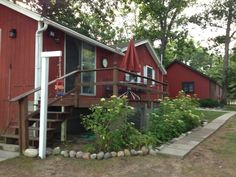 Baldwin / Walhalla cottage rental - Red Cottage deck and walkways. 2 cottages - cute