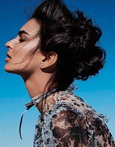 Emily Ratajkowski é a Rainha do Desertona Vogue Espanha fevereiro 2017  Fragmentos de Moda