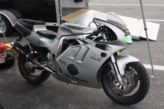 Resultado de imagem para suzuki for sale Suzuki Gsx R 750, Motorcycle, Vehicles, Motorcycles, Car, Motorbikes, Choppers, Vehicle, Tools