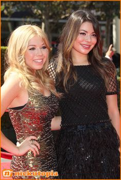 Jennette McCurdy And Miranda Cosgrove Have A Girls Night Out To See Peter Pan