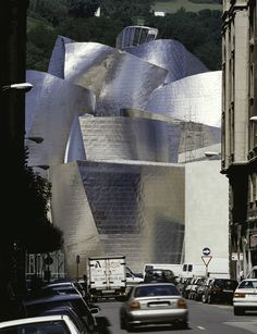 Since the success of Frank Gehry's Guggenheim Museum in Bilbao the belief in the value of iconic buildings seems to be beyond all doubt. Photo © David Heald / The Solomon R. Guggenheim Foundation, NY