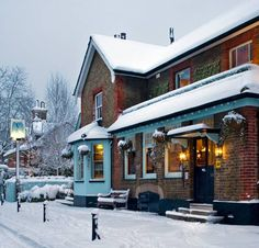 The Victoria is a hotel restaurant pub gastropub in East Sheen Richmond South West London England UK Christmas In England, Open On Christmas, English Christmas, Christmas On A Budget, Country Christmas, Richmond London, West London, England Uk, London England