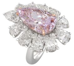 Nirav Modis spectacular pink pear-shaped diamond ring.