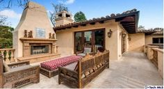 Al Fresco Living - Miley Cyrus's Tuscan-Style Mansion in Los Angeles - Photos Miley Cyrus, Tuscan Design, Tuscan Style, Spanish House, Spanish Style, Outdoor Rooms, Outdoor Decor, Outdoor Living, Outdoor Areas