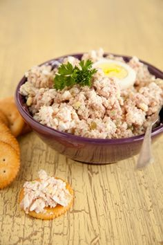Paula Deen Ham Salad – Many years ago my mother fixed ham salad, and I liked it so much better than plain ham sandwiches. Having left- over ham from the holidays, I looked for a recipe that was much like what she made. This filled the bill. Ham Salad Recipes, Sandwich Recipes, Pork Recipes, Cooking Recipes, Chopped Ham Salad Recipe, Diced Ham Recipes, Dutch Recipes, Leftover Ham Recipes, Recipes Using Ham