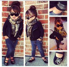 Scarf, skinnies, jacket and flats; sooo stylish! Adore!!
