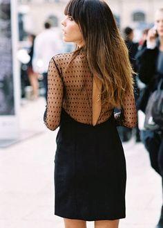 Robe noire à plumetis. Comment choisir une robe de soirée? 10 conseils pour s'habiller pour les fêtes. C'est ici: https://one-mum-show.fr/shabiller-fetes-10-conseils-bien-choisir-tenue/