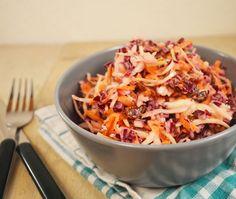 Het recept om zelf deze kleurrijke Amerikaanse Coleslaw te maken.