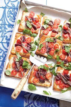 Aroma pur! Sardellen-Tomaten-Toast - smarter - Zeit: 20 Min. | http://eatsmarter.de/rezepte/sardellen-tomaten-toast
