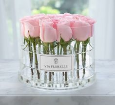 Experience the elegance of Via Florelle flowers. Send roses to someone in the United States, or have flowers delivered in Los Angeles. Give the gift of beauty. Beautiful Roses, Fresh Flowers, Beautiful Flowers, Stunning Girls, Simply Beautiful, Flower Box Gift, Flower Boxes, Arrangements Ikebana, Floral Arrangements