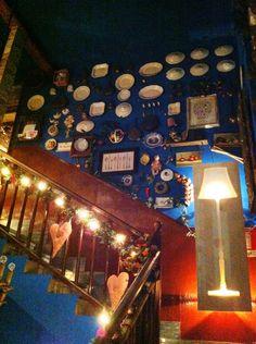 More interesting restaurant decor.