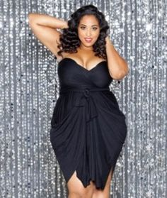 Plus size evening Dresses by Swak Designs : learn how to wrap them! http://www.plus-size-magazine.com/plus-size-dresses-from-swak-designs-they-reveal-their-new-convertible-dresses-2721#