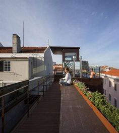 House in Lisbon by Luís and Tiago Rebelo de Andrade and Manuel Cachão Tojal.Photography is by Fernando Guerra. Eco Casas, Turkey Area, Box Houses, Mediterranean Decor, Architect House, Contemporary Architecture, Garden Architecture, Nice View, Ideal Home