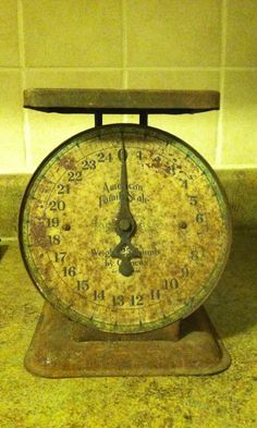 Antique 1906 American Family Scale 48.00  ES 35 w other things