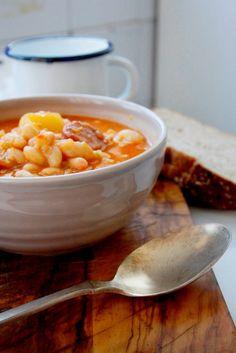 Judías Blancas con Chorizo en Thermomix - Las Maria Cocinillas Chana Masala, Cheeseburger Chowder, Soup, Ethnic Recipes, Kidney Beans, One Pot Dinners, Soups