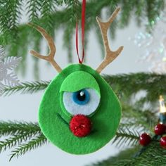 Mike Wazowski Rudolph Nose Ornament and other disney christmas crafts Ornament Crafts, Christmas Projects, Holiday Crafts, Holiday Fun, Diy Ornaments, Disney Felt Ornaments, Holiday Quote, Holiday 2014, Thanksgiving Holiday