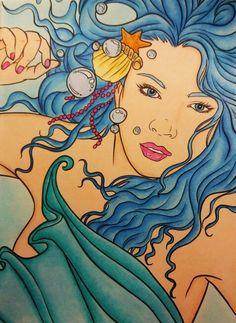 Mermaids de Selina Fenech. Colorié aux crayons de couleur polycolor72.  Estompé à l'essence sans odeur.  Fond au pastel sec.