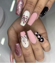 Summer Acrylic Coffin Nails Art Ideas For You - Nail Art Connect Summer manicures need a variety of colors. Coffin nails have always been the nail style for trendy girls because of Acrylic Nails Coffin Short, Summer Acrylic Nails, Best Acrylic Nails, Cute Acrylic Nail Designs, Coffin Nails, Acrylic Art, Drip Nails, Aycrlic Nails, Swag Nails